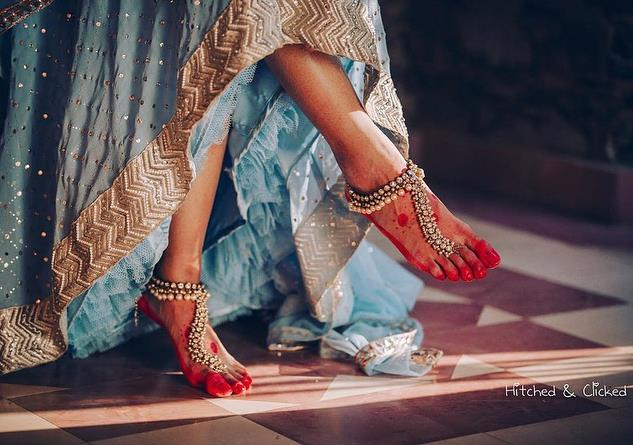 anklet - hitcked and clicked