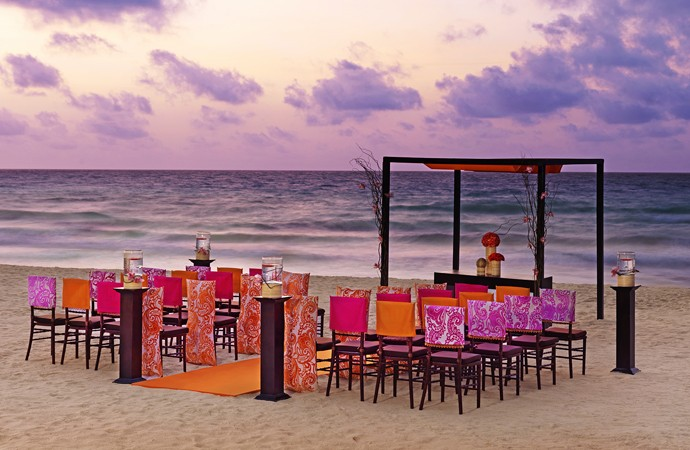 Moon-Palace-Jamaica-Grande-Beach-Wedding-Ceremony-Set-up