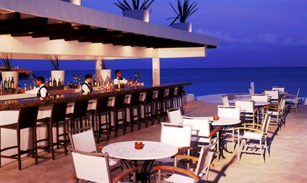 Playacar-Palace-Bar