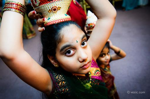 SV2-Indian-wedding-girl-with-matka-jago-on-head