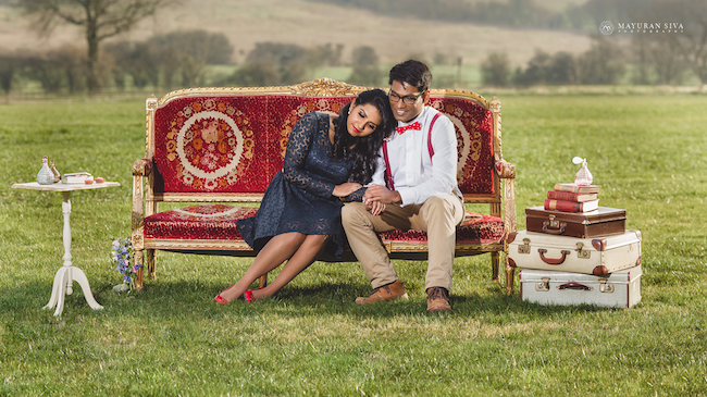 11aoutdoor-indian-engagement-ession-couch