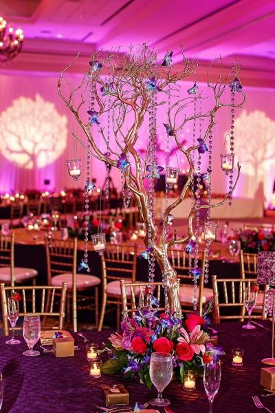 indian-wedding-tree-table-centerpiece