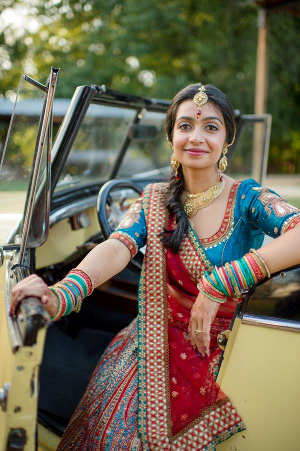 10a-INDIAN-WEDDING-BRIDE-RED-AND-BLUE-PORTRAIT