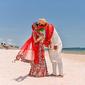 bride-groom-beach