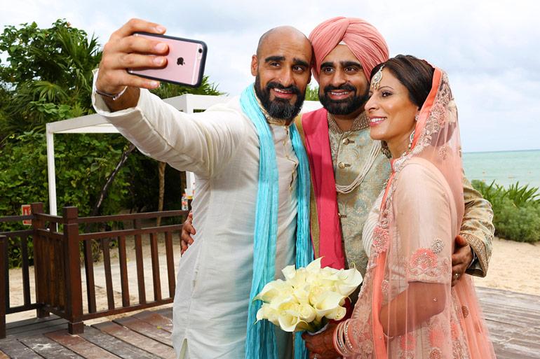 destination-wedding-selfie