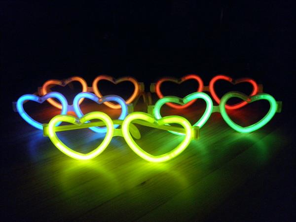 heart-glow-glasses