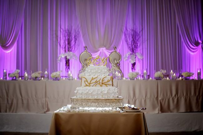 32aindian wedding reception cake