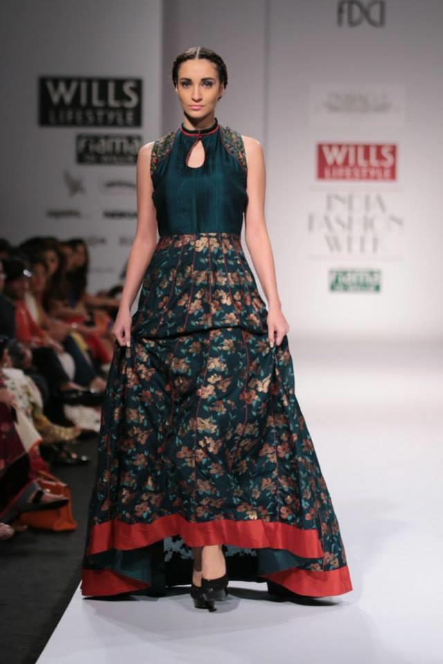 Pinnacle by Shruti Sancheti Wills Lifestyle India Fashion Week 2014 green flower Indian anarkali dress